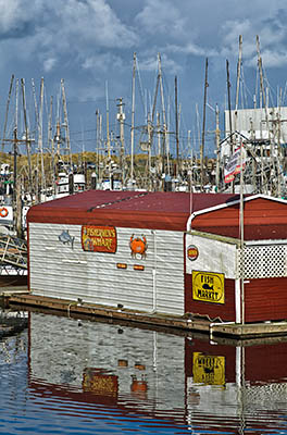 OR: Coos County, Coos Bay Area, Charleston Area, Charleston Harbor, Small seafood restaurant on the floating docks. [Ask for #276.192.]