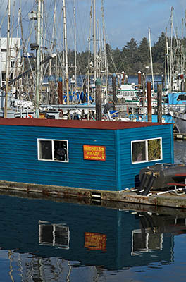 OR: Coos County, Coos Bay Area, Charleston Area, Charleston Harbor, Small seafood restaurant on the floating docks. [Ask for #276.193.]