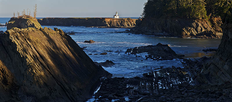 OR: Coos County, Coos Bay Area, Cape Arago Parks, Sunset Bay Cliffs, View towards Cape Arago Lighthouse [Ask for #276.299.]