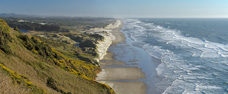 The northern terminus of the Oregon Dunes, viewed from the cliffs along US 101 just north of Florence.