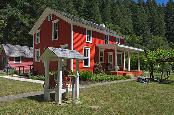 OR: Curry County, Coast Range, Rogue River Area, Rogue River Ranch. Restored, historic ranch [Ask for #278.308.]